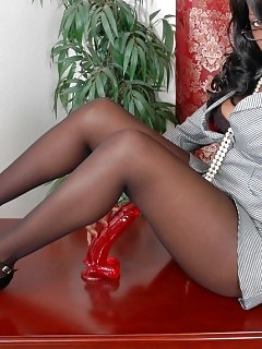 Ebony GF In Nylon Ebony Teen Booty