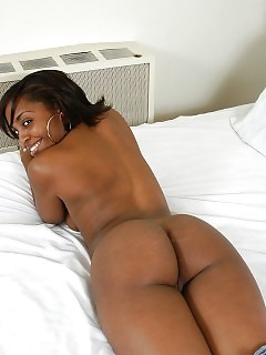 Thick Black Naughtya Get Kinky And Takes A White Dick In Her Cunt By Penetrating It On Top